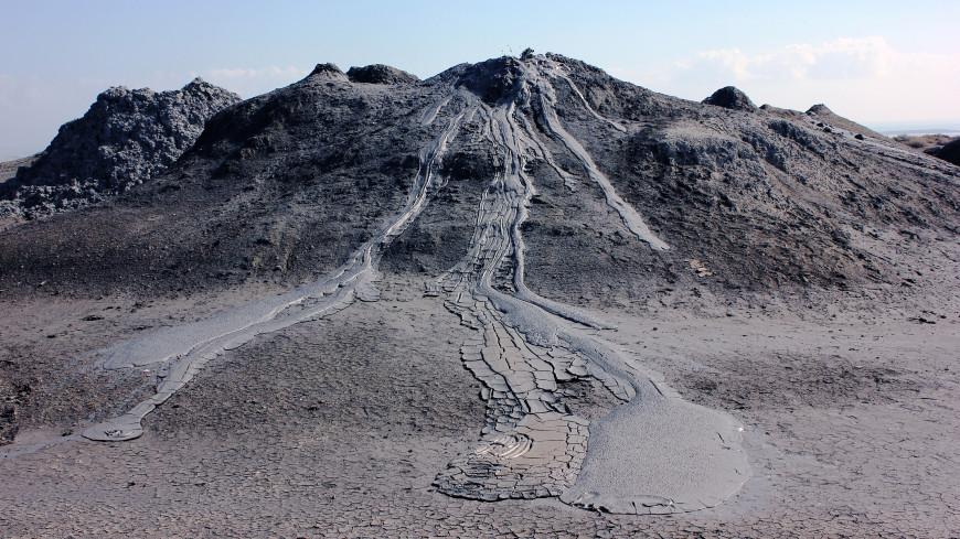 В Баку разбушевался второй по величине в мире грязевой вулкан. ВИДЕО