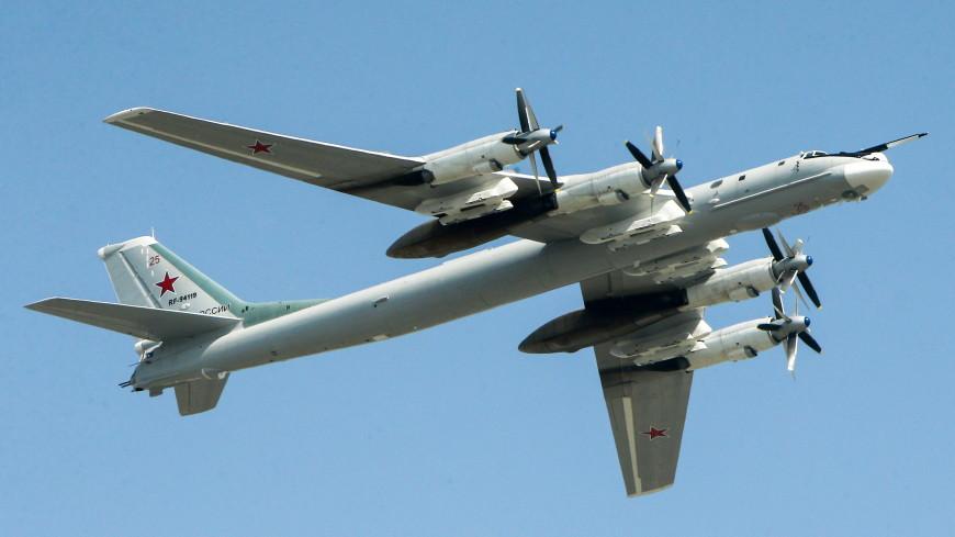 Американские F-22 устроили «свидание» над Арктикой с российскими Ту-95МС