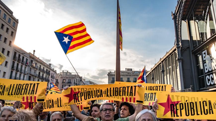 Барселона отметила день Каталонии миллионным маршем за независимость