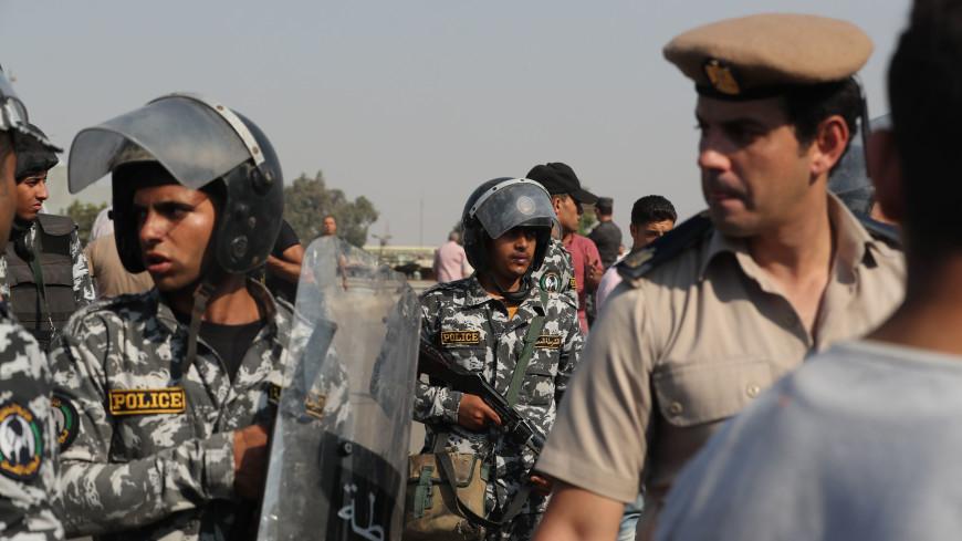 Египетским полицейским запретили носить бороды