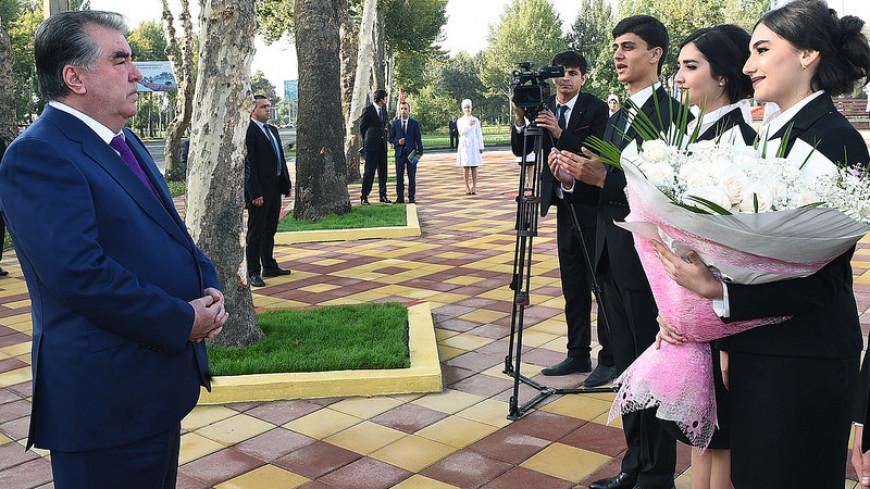 Рахмон провел урок мира в Душанбе