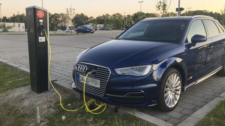 Audi запустила серийное производство электрокара E-Tron