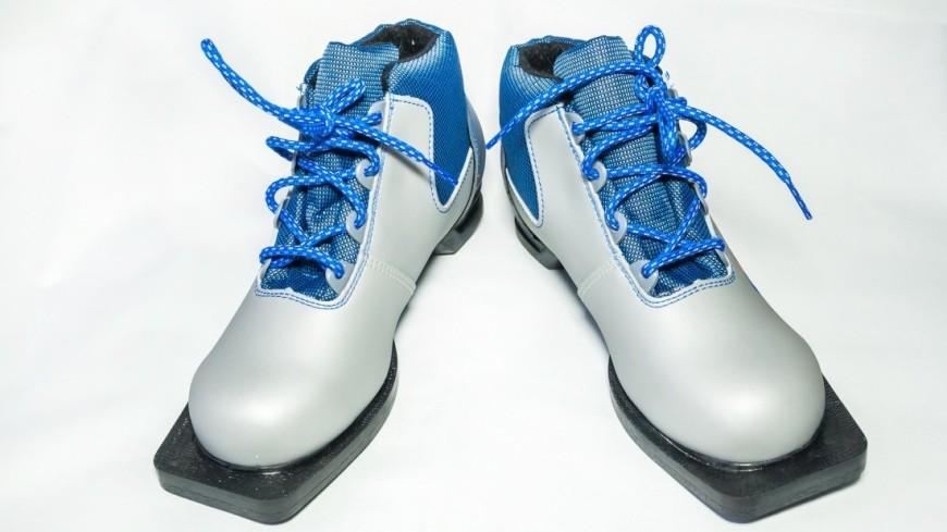 Лыжные ботинки,зима, зимние виды спорта, Лыжные ботинки, лыжи, ,зима, зимние виды спорта, Лыжные ботинки, лыжи,