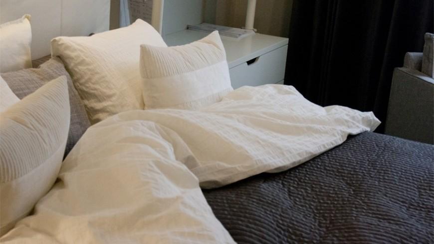 """© Фото: """"Елена Андреева, «Мир 24»"""":http://mir24.tv/, постель, кровать, гостиница, отель, сон"""
