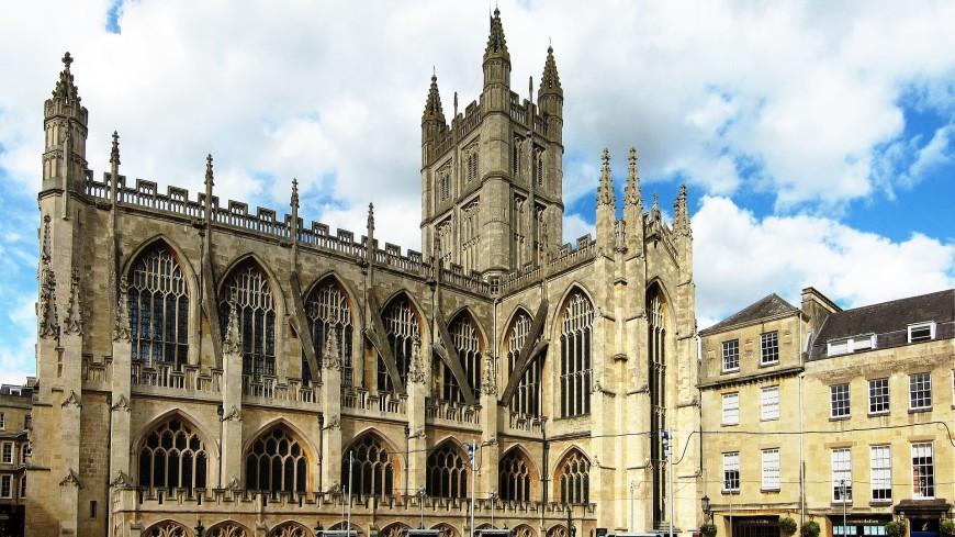 В английском аббатстве случайно нашли плиточный пол XIII века