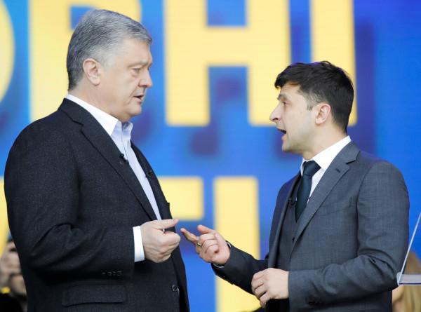 Дебаты без победителя: как поругались Зеленский и Порошенко