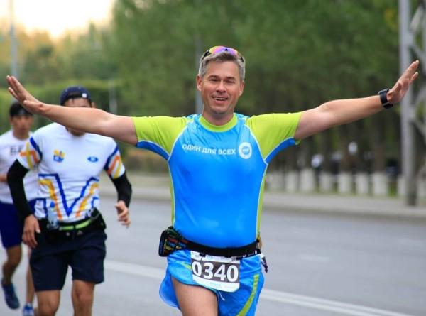 Массовый старт: шеф-редактор «МИРа» пробежал рекордный марафон в Алматы