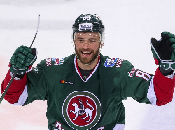 Трансфер «КАМАЗа»: хоккеист Артем Лукоянов стал футболистом