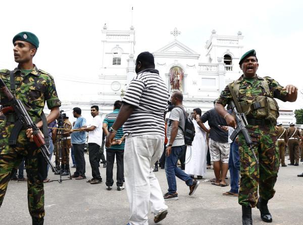 Папа римский осудил жестокие теракты на Шри-Ланке