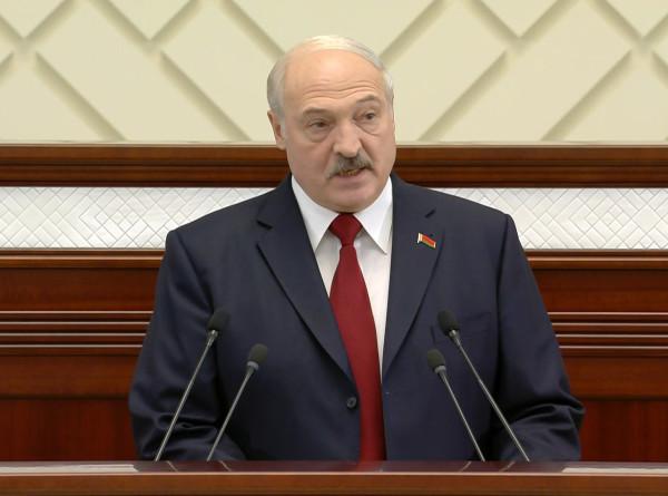 Лукашенко: Уважаем тот, кто в любой сфере трудится честно и добросовестно