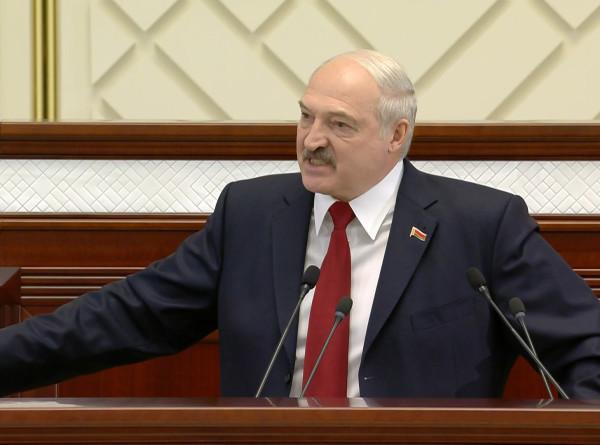 Лукашенко ЖЖЕТ: лучшие цитаты из обращения президента