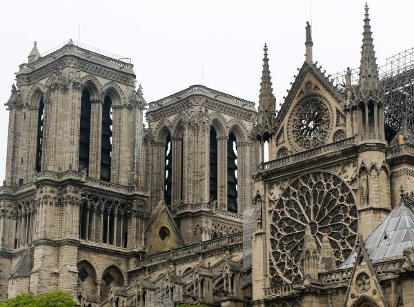 Министр культуры Франции: Нотр-Дам почти спасен от разрушения