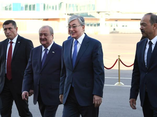 Токаев прибыл в Узбекистан с государственным визитом