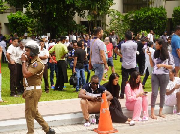 Президент Шри-Ланки поручил принять «очень жесткие меры» в связи со взрывами