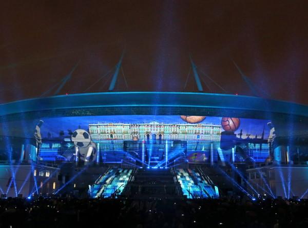 Весенний фестиваль света открывается в Петербурге