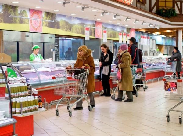 Лукашенко призвал правительство следить за ростом цен в Беларуси