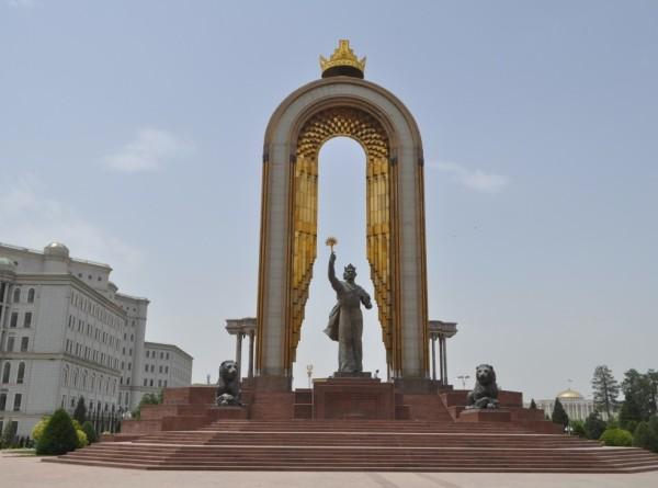 Гиссарская крепость, площадь Дусти и чайхана «Рохат»: что посмотреть в Душанбе