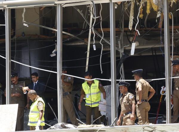 На Шри-Ланке ввели комендантский час