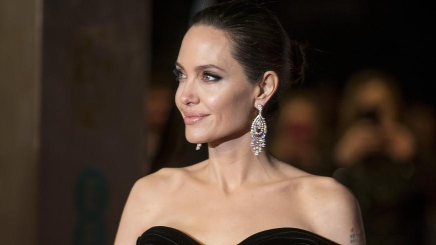 Анджелина Джоли окончательно избавилась от Брэда Питта