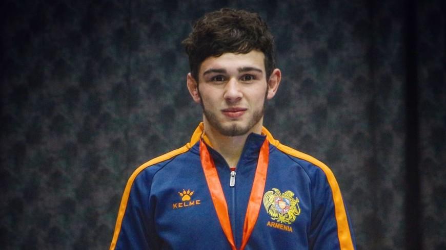 Волевая победа: борец из Армении Арсен Арутюнян взял золото на ЧЕ