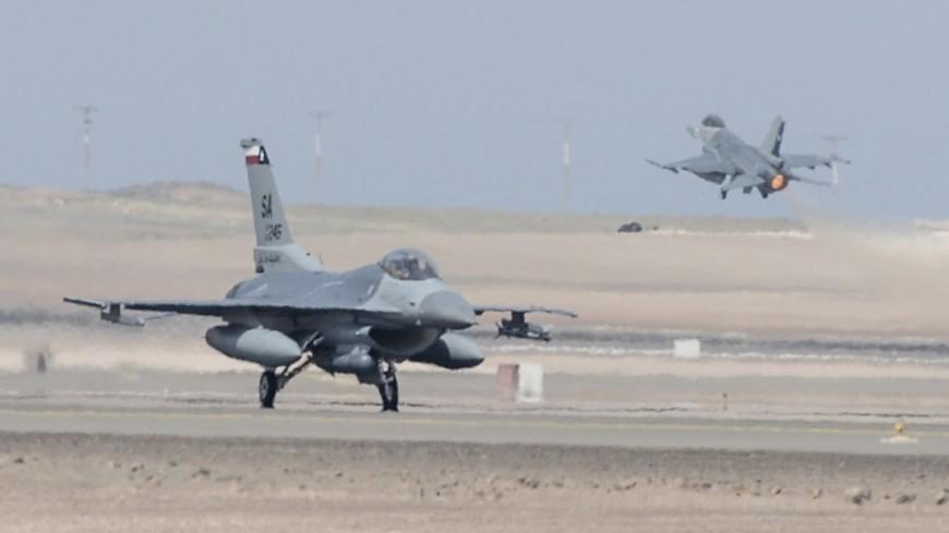 """Фото: Senior Master Sgt. Miguel Arellano, """"U.S.Air Force"""":http://www.af.mil/, f-16 fighting falcon, ввс сша, военные самолеты сша"""