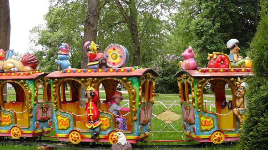 В Омске запустили детский паровозик, катающийся под Rammstein