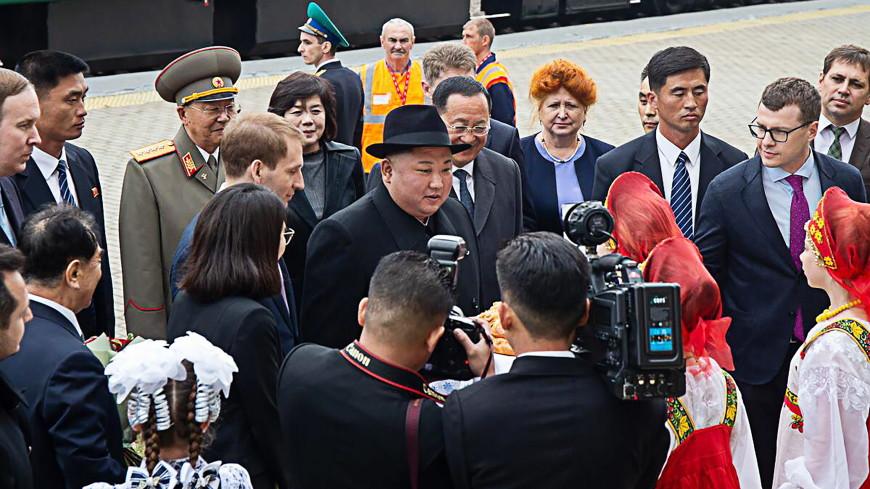 Ким Чен Ына в Приморье встретили хлебом-солью