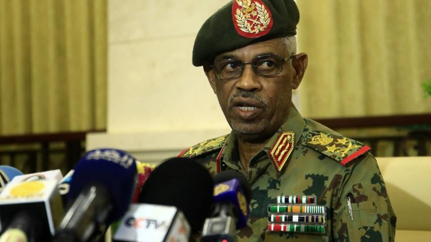 Глава Военного совета Судана ушел в отставку и назначил преемника