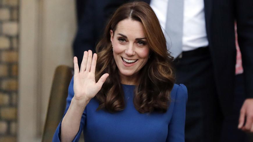Кейт Миддлтон на пасхальную службу выбрала наряд, как у королевы Елизаветы II