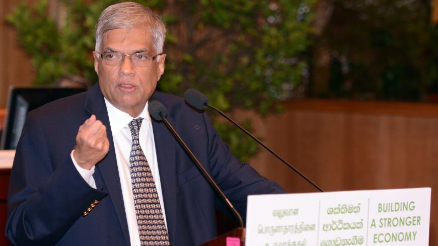 «Трусливая атака»: премьер-министр Шри-Ланки осудил взрывы в церквях и отелях