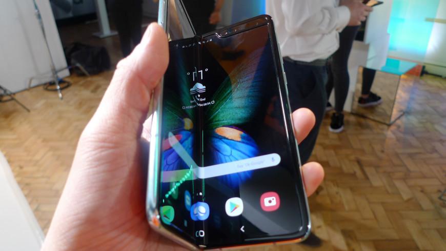 Гнущийся смартфон Samsung сломался на второй день работы