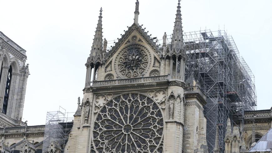 Французы раскупили роман Гюго после пожара в соборе Парижской Богоматери