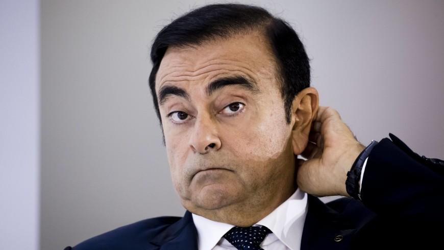Экс-главу Nissan вынесли из-под ареста в чехле для музыкальных инструментов