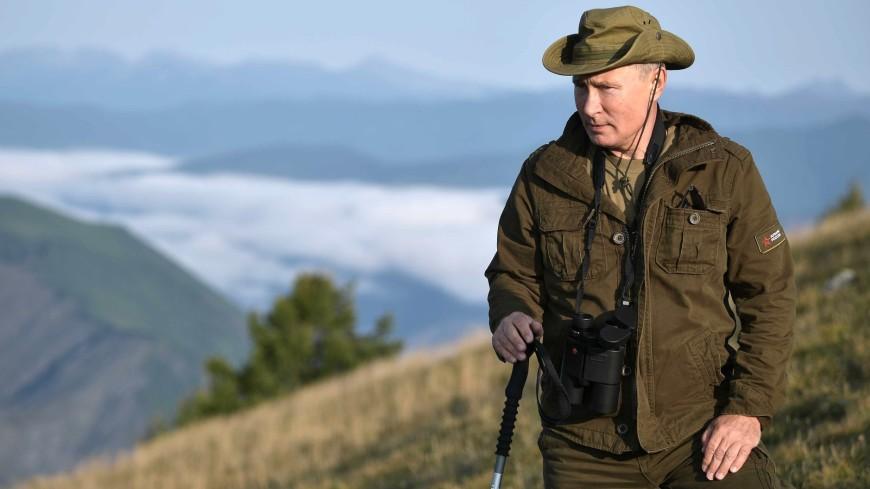 Рыбачил в ней в Туве: россияне смогут ходить в куртках «как у Путина»