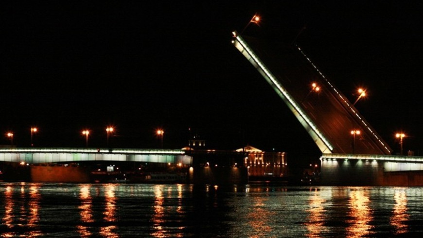 "Фото: Владимир Удачин, ""«Мир 24»"":http://mir24.tv/, мост, санкт-петербург, питер, ночь"