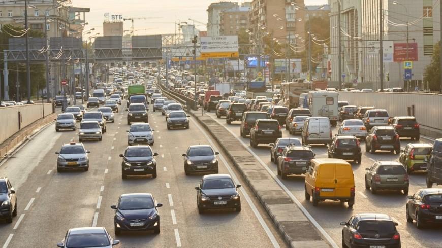 Московских водителей предупредили о дачных пробках