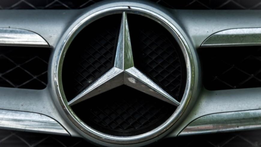 Скандальная китаянка парализовала продажи в салоне Mercedes