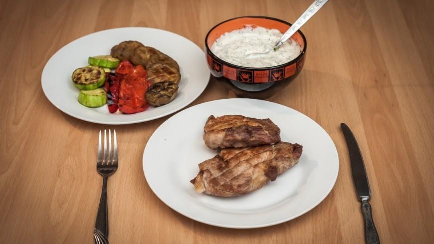 Поздние ужины признали опасными для сердца