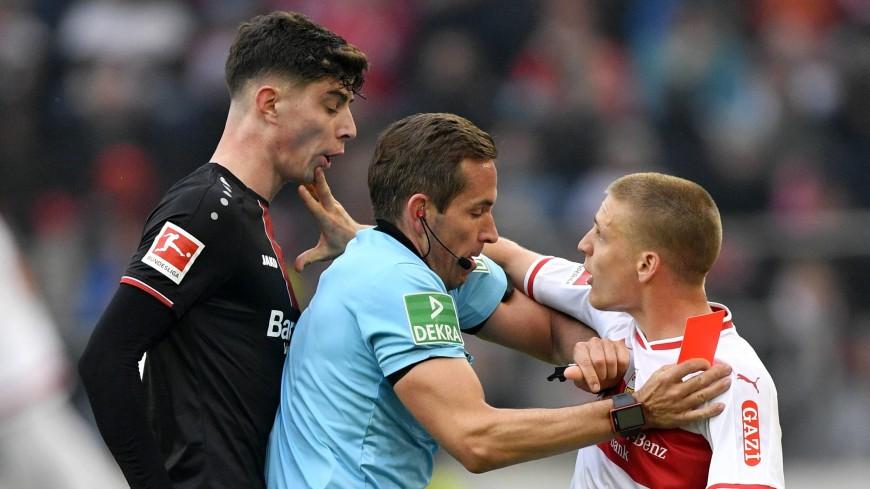 Футболиста «Штутгарта» отстранили до конца сезона за плевок в соперника
