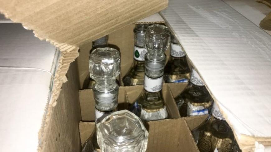 В Москве нашли больше тысячи бутылок поддельной водки и спирт
