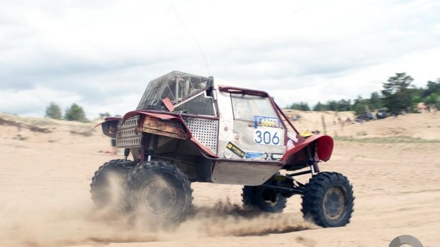 "Фото: Павел Слепухин, ""«МИР 24»"":http://mir24.tv/, дакар, внедорожник, распутица, грязь, триал, ралли, гонка"