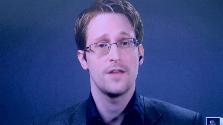 Уже говорит по-русски: адвокат Сноудена рассказал о его жизни в России