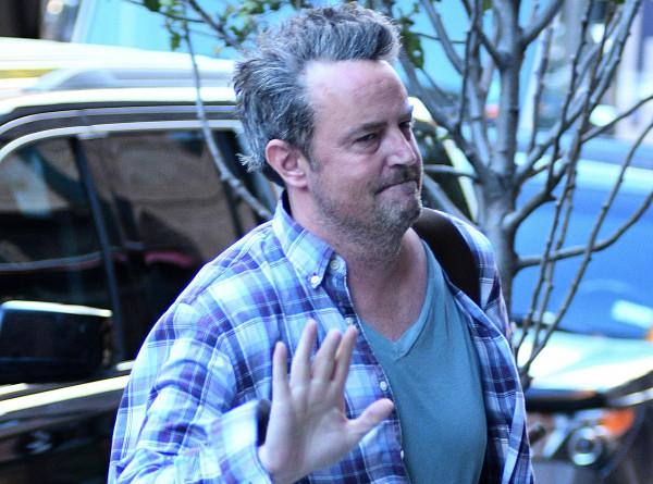 Знаменитый актер из «Друзей» не покидает дома и прячется от людей