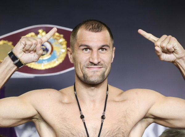Спортдайджест: Сергей Ковалев и Энтони Ярд взвесились перед боем за пояс WBO