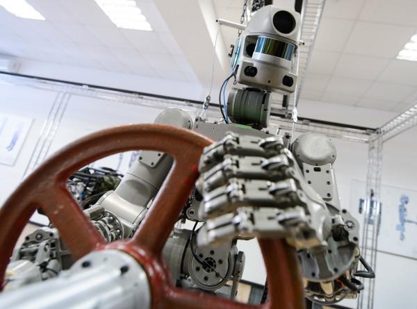 Робот Федор написал первый твит из космоса
