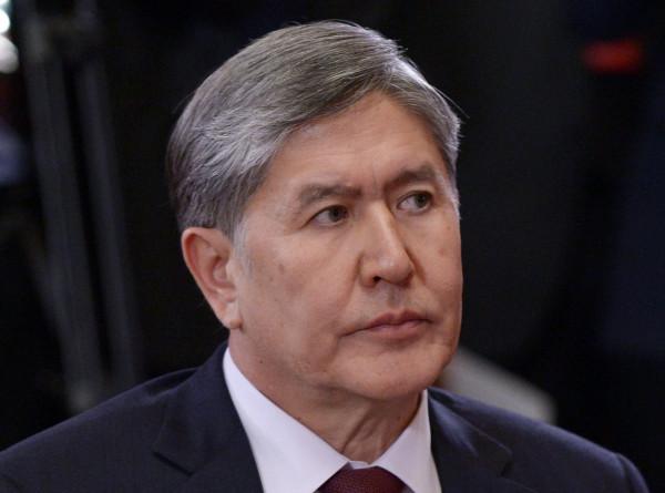 Суд Бишкека оставил Алмазбека Атамбаева под стражей