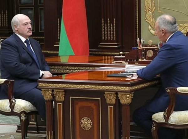 Лукашенко обсудил с Румасом белорусско-российские отношения