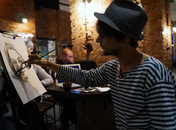 Вокруг света за портрет: как художник из Воронежа объехал мир без гроша в кармане
