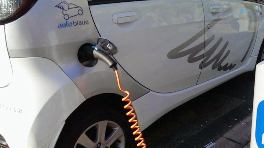 Американские эксперты назвали самый безопасный электромобиль