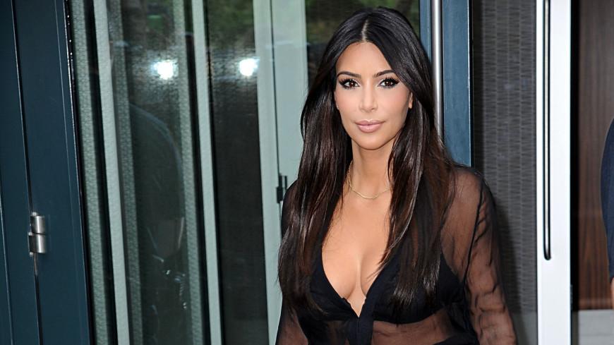 Ким Кардашьян появилась без макияжа. Поклонники в шоке